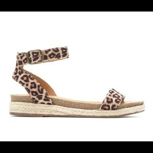 CityClassified sandals sz 9